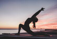 korzyści z porannej praktyki jogi